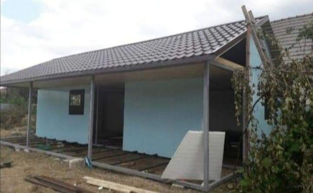 Vand si produc case pe structura metalică
