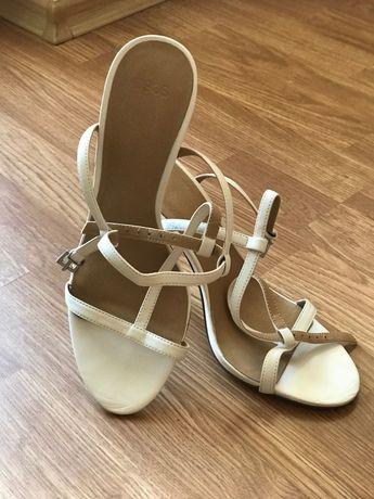 Дамски обувки елегантни