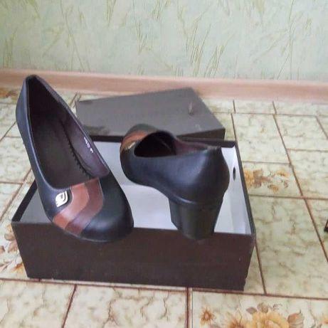 Продаются туфли, женские модель классика