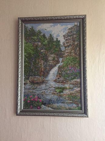 Продам картину вышивку Водопад