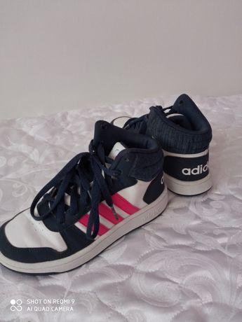 Маратонки Adidas номер 32