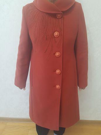 Продам пальто жен