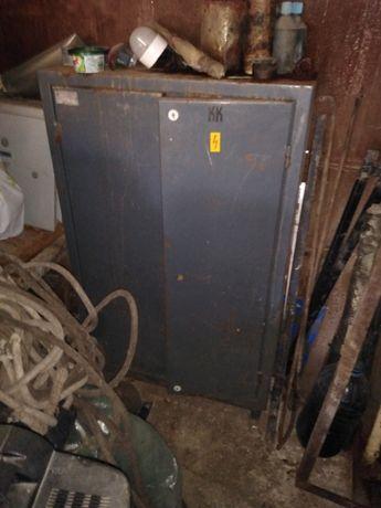 Метални шкафове, гардероби