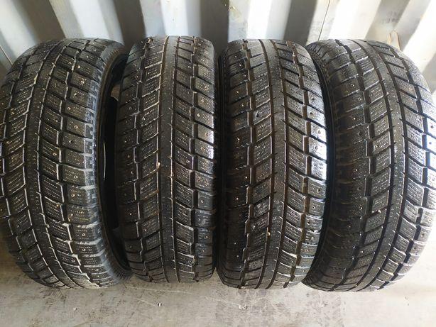 Зимние шины 265 65R17, Kingstar
