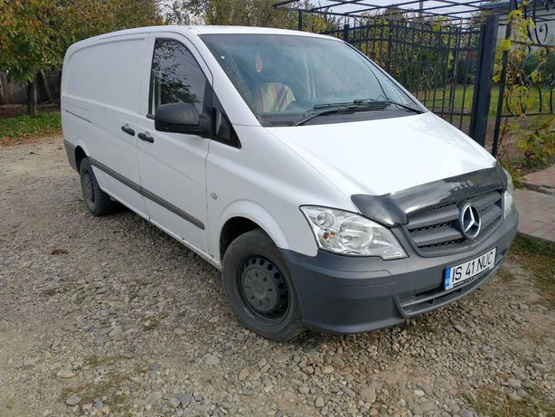 Vând Mercedes vito 2011