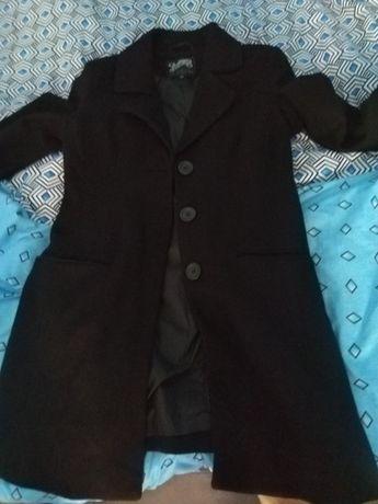 Палто запазено обличано 2 пъти