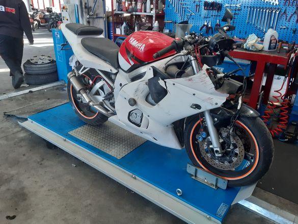 Мотоциклет Ямаха (yamaxa R6)-на части