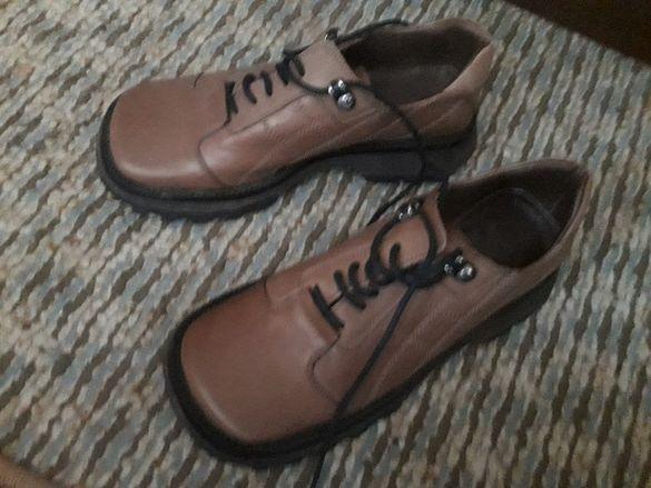 Дамски обувки с връзки