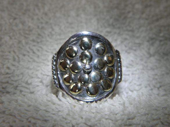 Сребърен пръстен със златни орнаменти.Уникален античен стил,от Атина!!