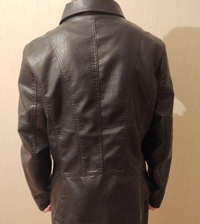 Срочно продам женский кожаный пиджак !!!
