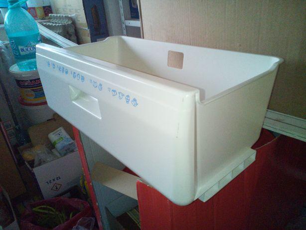 De vânzare cutie congelator ptr. combină frigorifică Whirlpool