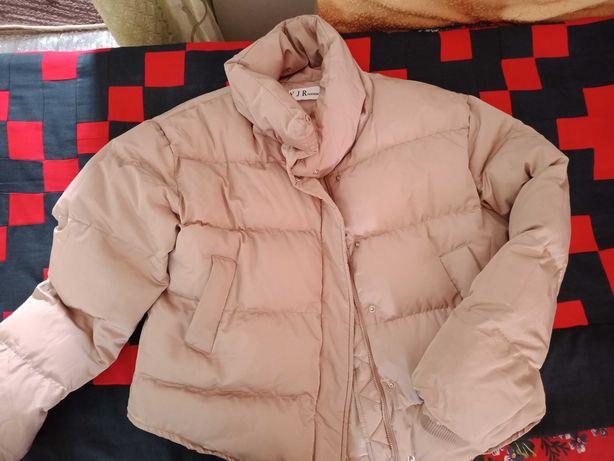 Весенняя куртка. Почти новая
