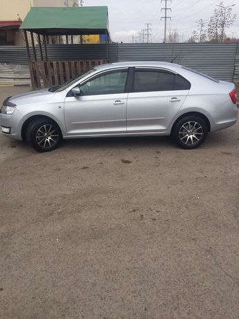 Продам автомобиль машину шкода рапид