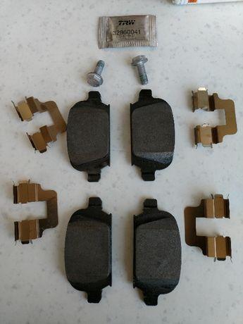 Оригинални задни накладки ГМ GM за Опел Корса, Тигра, и Тигра кабрио.