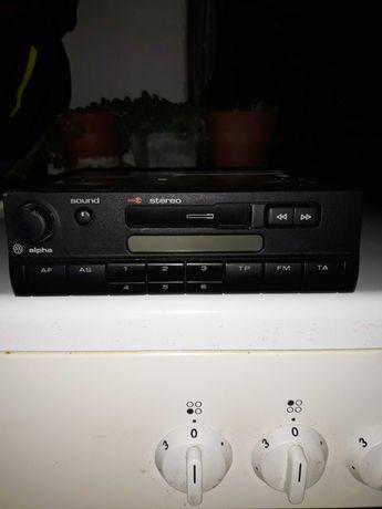 Продавам оригинален касетофон