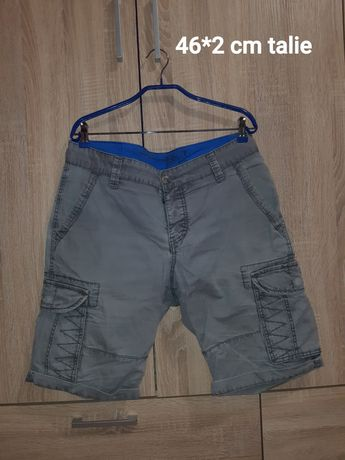 Pantaloni scurți mărimea 54
