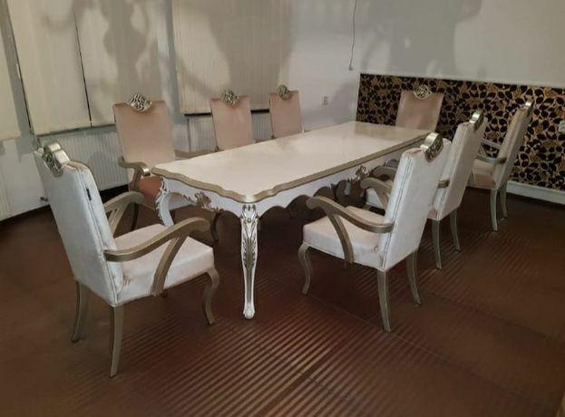 Masă nouă cu 8 scaune Victoria de la Divani