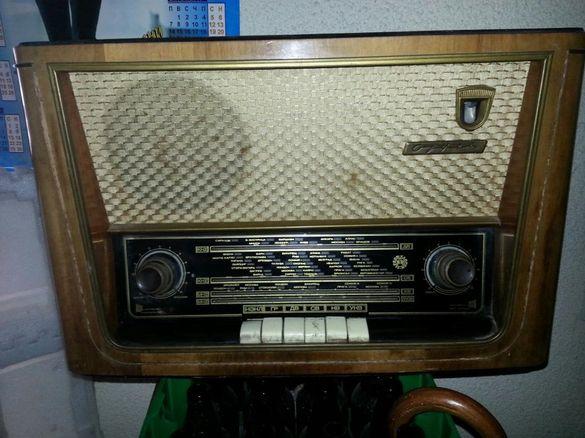 Старинно радио Орфей работещо