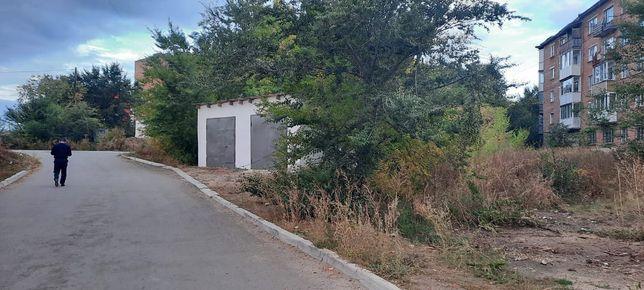 Продам земельный участок под строительство гаража.