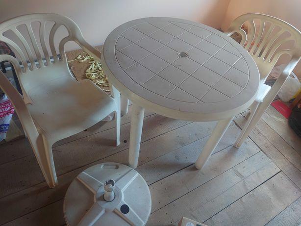Masa de plastic cu 2 scaune