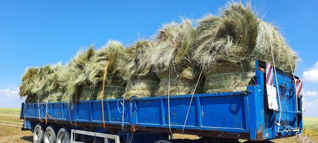 Продаётся сено в рулонах с доставкой.
