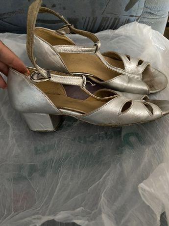 Туфли для бальных танцев детские-серебро