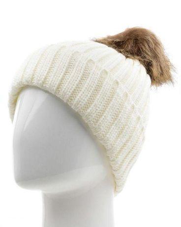 Новая шикарная женская шапочка с помпоном FOMAS