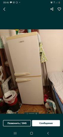Холодильник рабочая двух камерный