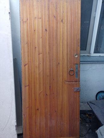 Входна дверь