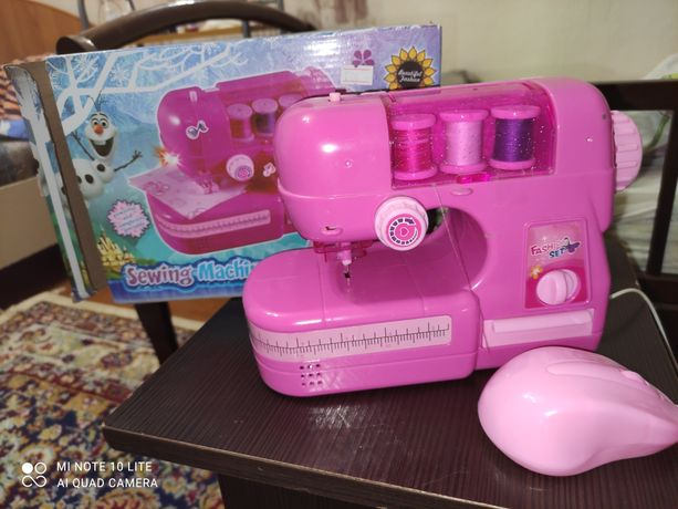 Продам детскую швейную машинку