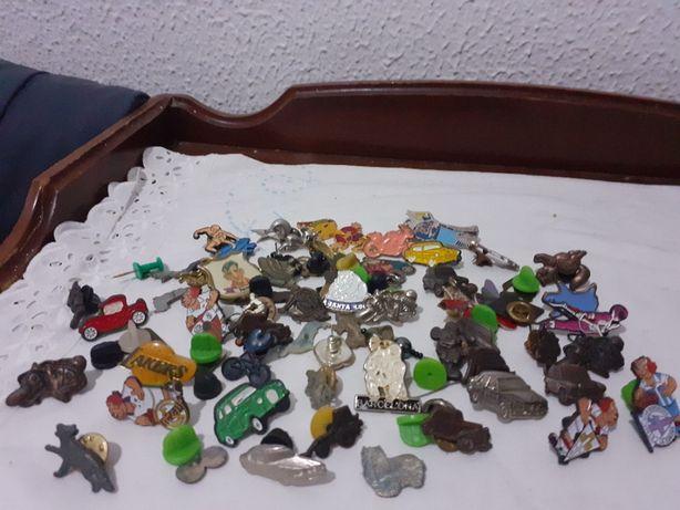 lot de 60 insigne de metal vechi