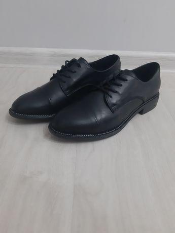 Натуральные кожаные обуви
