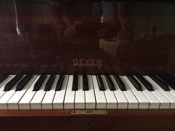 Рояль кабинетный Geyer