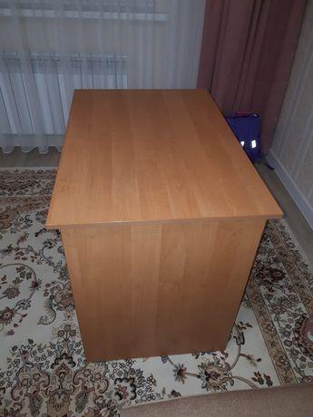 Стол деревянный письменный
