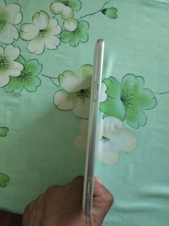 Продам планшет Tab 3 samsung