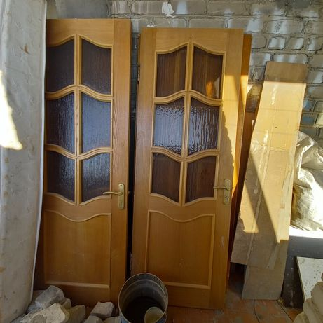 Продам б/у межкомнатные двери.