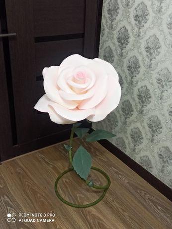 Продаются напольные розы ручной работы