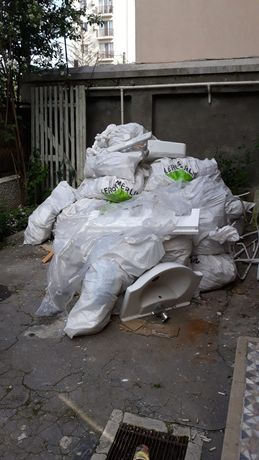 Evacuez moloz gunoi saci lemne deseuri demolari