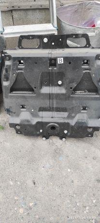 Продам защиту двигателя от Тойоты