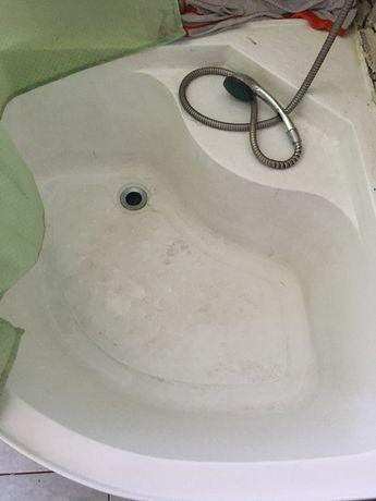 Поддон угловой глубокий. Ванна.