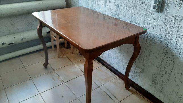 Продам новый деревянный стол,мангал и другое