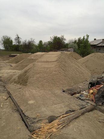 Nisip,mărgăritar,balastru,pământ vegetal