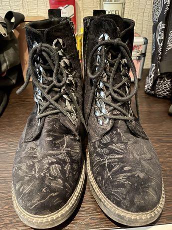 Демисезонные ботинки 37 размер.