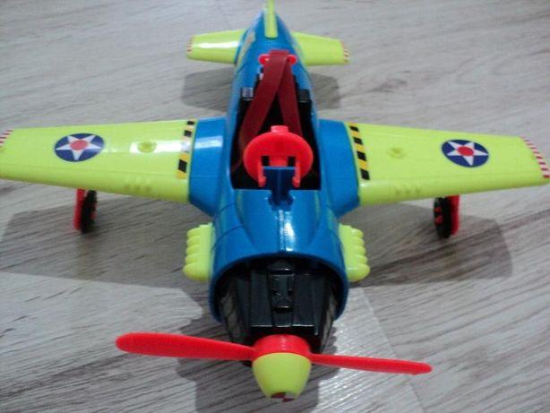 Jucarie avion