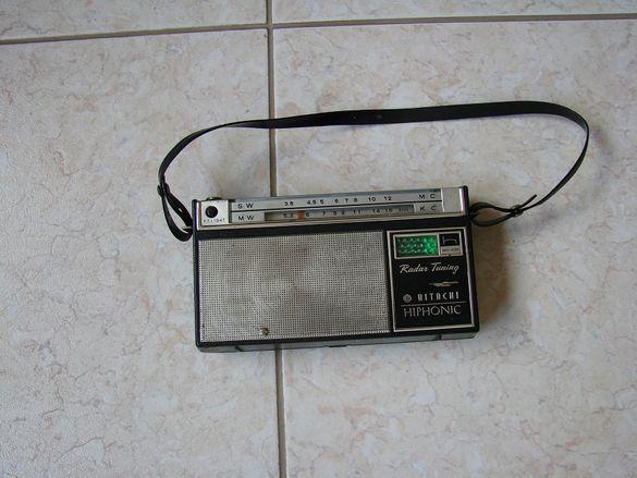 Продавам един от първите транзисторни радиоприемници