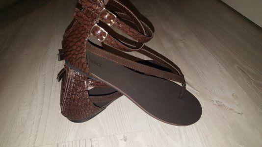 Чисто нови сандали NEXT