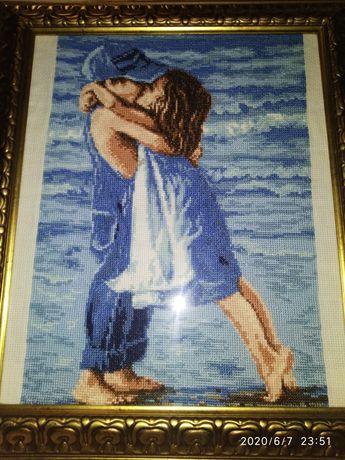 Картина вышетая крестиком.