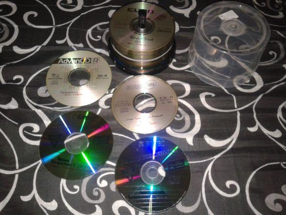 Лот от около 60 диска със филми