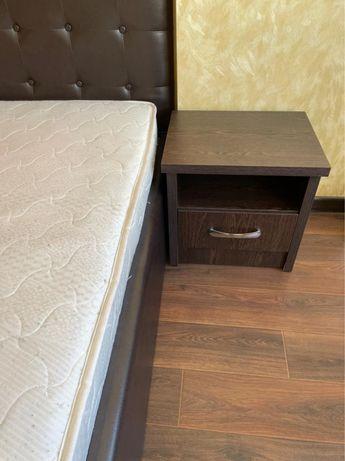 Кровать для спальни и тумбы
