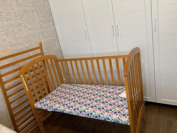 Кровать( манежка)